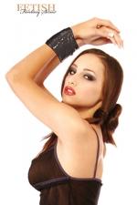 Ruban BDSM noir : Attachez, détachez, recommencez à volonté... avec ce ruban de bondage non collant et réutilisable.