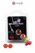 2 Brazilian Balls - cerise : La chaleur du corps transforme la brazilian ball en liquide glissant au parfum de cerise, votre imagination s'en trouve exacerbée.